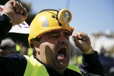 A miner of a gold mine in northern Greece shouts slogans during a protest outside the Ministry of Development in favour of an investment of Canadian Eldorado Gold corporation in Athens April 16, 2015. REUTERS/Alkis Konstantinidis