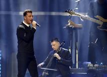 British singer Sam Smith performs during the 2015 iHeartRadio Music Festival at the MGM Grand Garden Arena in Las Vegas, Nevada September 18, 2015. REUTERS/Steve Marcus - RTS1TVG