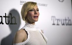 """Cast member Cate Blanchett poses at an industry screening of """"Truth"""" in Beverly Hills, California October 5, 2015.  REUTERS/Mario Anzuoni"""