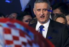 L'Union démocratique croate (HDZ) de Tomislav Karamarko (photo), le parti conservateur croate, a remporté de justesse les élections législatives organisées dimanche, mais le score du parti Most créé il y a 3 ans le place en position d'arbitre avant la formation d'un gouvernement. Most se présente comme un parti réformiste soucieux de remanier le secteur public et le système judiciaire croates qu'il juge inefficaces. /Photo prise le 9 novembre 2015/REUTERS/Antonio Bronic