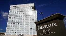 The Westin Lombard Yorktown Center, a hotel of the Starwood chain, is pictured in Lombard, Illinois, in this file photo taken July 24, 2008.  REUTERS/Jeff Haynes/Files