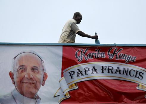 Pope in Africa will seek to bridge Christian-Muslim faultlines