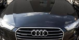 The Audi powerplant  is reflected in an Audi in Brussels, Belgium in this September 28, 2015 file picture. REUTERS/Yves Herman/Files