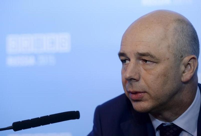 ИНТЕРВЬЮ-Дефицит бюджета РФ в 2016 году может существенно превысить 3% ВВП - Силуанов