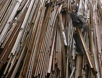 La croissance de l'Inde a accéléré à 7,4% en rythme annuel pendant le trimestre juillet-septembre, dépassant celle de la Chine à la faveur d'une amélioration de la demande intérieure et de l'activité manufacturière. /Photo d'archives/REUTERS/Mukesh Gupta
