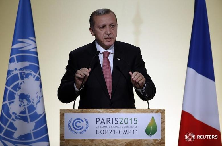 Turkish President Tayyip Erdogan delivers a speech during the opening session of the World Climate Change Conference 2015 (COP21) at Le Bourget, near Paris, France, November 30, 2015.   REUTERS/Christian Hartmann