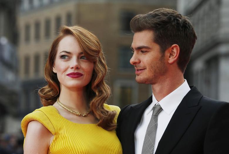 Celebrity dating 2015