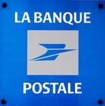 CNP Assurances et la Banque postale ont annoncé leur intention de renouveler leur partenariat commercial dans l'assurance, à compter de 2016 et pour une durée de 10 ans. /Photo d'archives/REUTERS/Jacky Naegelen