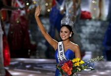 Miss Philippines Pia Alonzo Wurtzbach waves after winning the 2015 Miss Universe Pageant in Las Vegas, Nevada, December 20, 2015. REUTERS/Steve Marcus