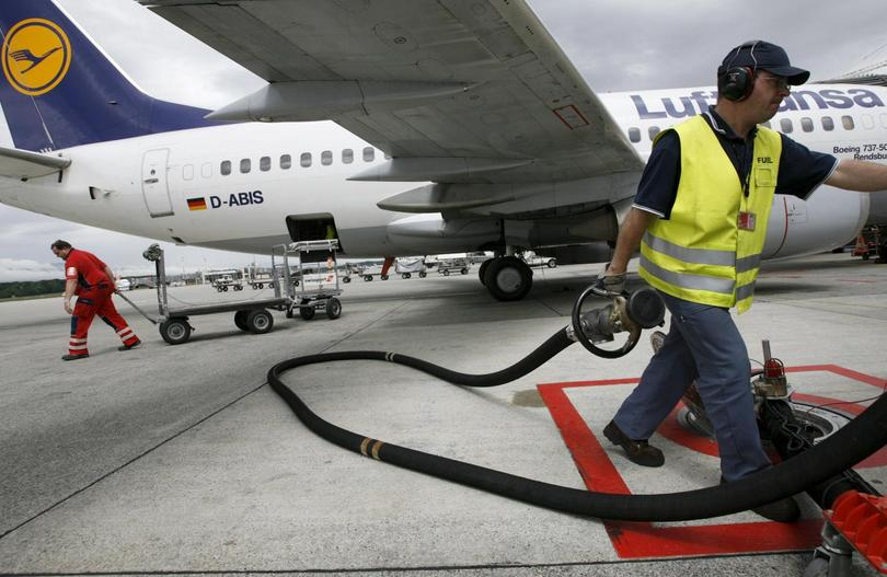 fuel hedging in the airline industry Fuel hedging is a common risk management tool used in the airline industry but past studies have not addressed the question of whether fuel hedging creates any.