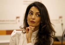 Advogada Amal Clooney durante entrevista para falar sobre Nasheed em Londres 5/10/2015  REUTERS/Peter Nicholls
