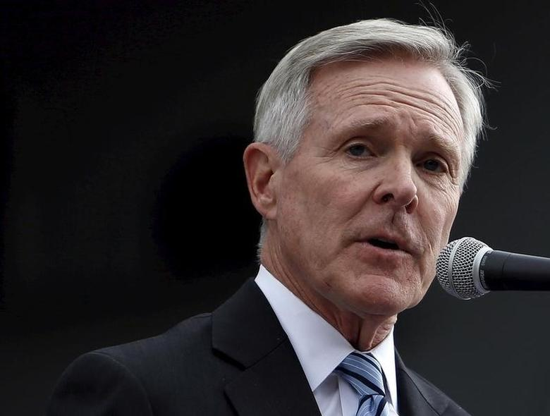 U.S. Navy Secretary Ray Mabus speaks in front of the USS Ronald Reagan, a Nimitz-class nuclear-powered super carrier, as it arrives at the U.S. naval base in Yokosuka, south of Tokyo, Japan, October 1, 2015. REUTERS/Yuya Shino