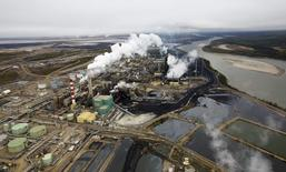 The Suncor tar sands processing plant near the Athabasca River at their mining operations near Fort McMurray, Alberta, in this file photo taken September 17, 2014. REUTERS/Todd Korol/Files