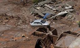 Destruição provocada por rompimento de barragem da Samarco em Mariana (MG). 10/11/2015 REUTERS/Ricardo Moraes