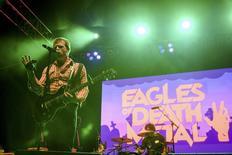 Jesse Hughes, da banda Eagles of Death Metal, durante show em Los Angeles. 25/10/ 2014. REUTERS/Alex Matthews
