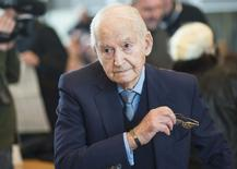 Holocaust survivor and former prisoner at Auschwitz death camp Leon Schwarzbaum waits in the courtroom in Detmold, Germany, February 12, 2016 for the second day of the trial of Reinhold Hanning, a 94-year-old former guard at Auschwitz. REUTERS/Bernd Thissen/Pool