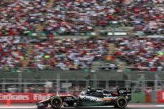 Force India Formula One driver Sergio Perez of Mexico drives during the qualifying session for the Mexican F1 Grand Prix at Autodromo Hermanos Rodriguez in Mexico City, October 31, 2015. REUTERS/Edgard Garrido
