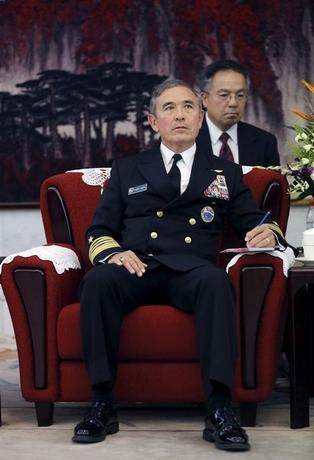 2月17日、米太平洋軍のハリス司令官は、中国による西沙諸島でのミサイル配備について、南シナ海を軍事化しないとの方針に反するとの見方を示した。写真は北京で昨年11月代表撮影(2016年 ロイター)