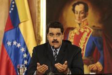El presidente de Venezuela, Nicolás Maduro, habla durante una reunión en el Palacio de Miraflores, en Caracas, foto de cortesía suministrada por el Palacio de Miraflores, 17 de febrero de 2016. REUTERS/Miraflores Palace/Handout via Reuters ATENCIÓN EDITORES: ESTA FOTO FUE SUMINISTRADA POR UN TERCERO, REUTERS NO PUDO CORROBORAR DE MANERA INDEPENDIENTE SU AUTENCIDAD, CONTENIDO, UBICACIÓN O FECHA DE ESTA IMAGEN. ESTA FOTO FUE DISTRIBUIDA EXACTAMENTE COMO FUE RECIBIDA POR REUTERS, COMO UN SERVICIO A LOS CLIENTES, SÓLO PARA USO EDITORIAL, NO PARA COMPAÑAS PUBLICITARIAS O DE MERCADEO