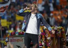 Chris Martin, vocalista do Coldplay, durante show do intervalo do Super Bowl na Califórnia. 07/02/2016 REUTERS/Stephen Lam
