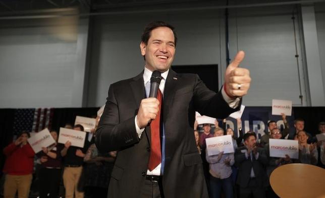 2月23日、米大統領選の共和党有力候補、マルコ・ルビオ上院議員(44)の選挙陣営が、他候補を圧倒してウォール街金融機関から献金を集めていることが、ロイターによる選挙運動資金調査でわかった。写真はミシガン州で撮影(2016年 ロイター/Chris Keane)