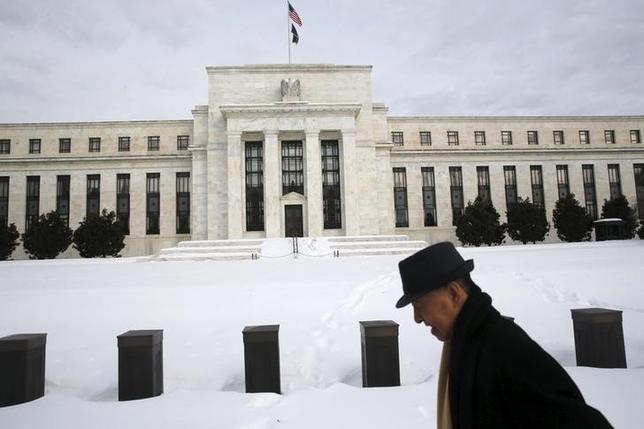 2月26日、ウィリアムズ米SF連銀総裁はフォワードガイダンスは強力で有効な政策手段との認識を示した。写真はワシントンのFRB建物。1月26日撮影。(2016年 ロイター/ Jonathan Ernst)