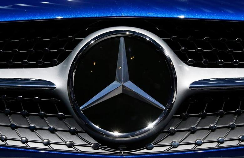 The Mercedes logo is shown as the 2017 Mercedes-Benz SL550 is introduced at the LA Auto Show in Los Angeles, California, United States November 18, 2015. REUTERS/Lucy Nicholson