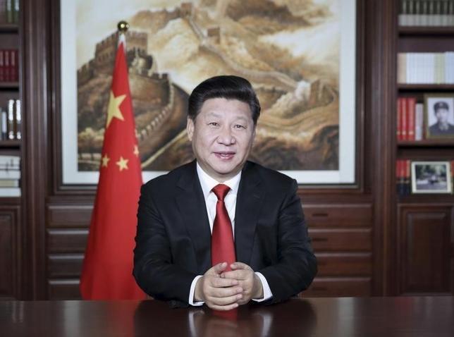 3月1日、中国の習近平国家主席(写真)は、ベトナム共産党のグエン・フー・チョン書記長の特使として訪中したホアン・ビン・クアン中央対外部部長と会談し、両国は「運命を共有している」と述べた。2015年12月撮影。提供写真(2016年 ロイター/Lan Hongguang/Xinhua)