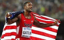 Justin Gatlin após terminar em 2º na final dos 200m no Mundial de Atletismo de Pequim. 27/08/2015 REUTERS/Lucy Nicholson