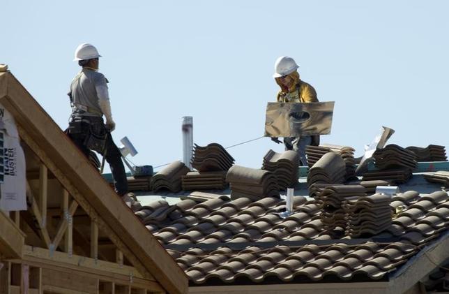 3月1日、米商務省が発表した1月の米建設支出(季節調整済み)は前月比1.5%増の1兆1400億ドルとなり、2007年10月以来の高水準となった。写真は2013年4月、米ネバダ州の建設現場(2016年 ロイター/Steve Marcus)