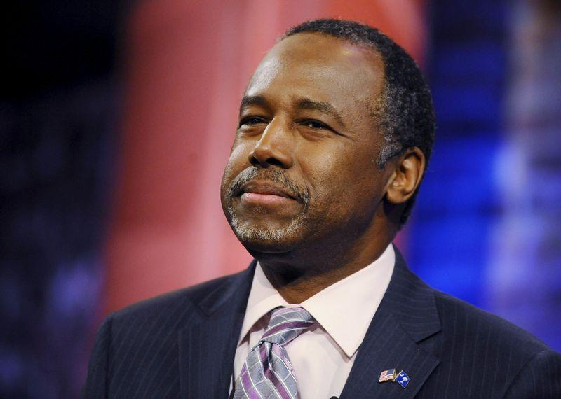 Ben Carson Says Trump Will 'Get There' on Understanding Why Athletes Kneel During National Anthem