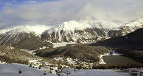 A view shows the snow-covered mountains around the Swiss mountain resort of St. Moritz December 8, 2012.  REUTERS/Arnd Wiegmann