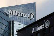 L'assureur allemand Allianz va probablement poursuivre Volkswagen en justice afin d'obtenir réparation des pertes subies par l'action du constructeur automobile à la suite du scandale des émissions polluantes de ses moteurs diesel, /Photo prise le 2 mars 2016/REUTERS/Jacky Naegelen