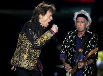 """Mick Jagger (L) and Keith Richards of The Rolling Stones perform during their """"Latin America Ole Tour"""" at the Nemesio Camacho El Campin stadium in Bogota, Colombia, March 10, 2016. REUTERS/John Vizcaino"""