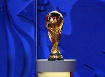 Taça da Copa do Mundo vista durante evento na Rússia.    16/03/2016        REUTERS/Stringer/Files