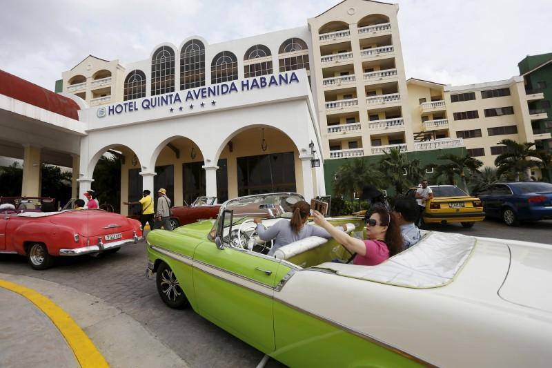 Starwood Signs First U S Cuba Hotel Deal Since 1959 Revolution