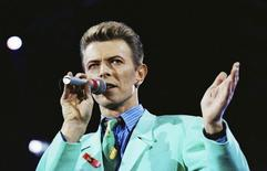 David Bowie performs on stage during The Freddie Mercury Tribute Concert at Wembley Stadium in London, Britain April 20, 1992. REUTERS/Dylan Martinez
