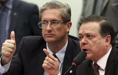 Jovair Arantes (D) e Rosso, da comissão de impeachment na Câmara dos Deputados.  6/4/2016. REUTERS/Adriano Machado