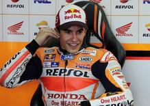 Honda MotoGP rider Marc Marquez of Spain smiles before the second qualifying session ahead of the Valencia Motorcycle Grand Prix at the Ricardo Tormo racetrack in Cheste, near Valencia, Spain, November 6, 2015. REUTERS/Heino Kalis