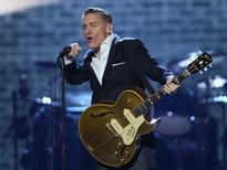 Singer Bryan Adams performs on stage at the 2016 Juno Awards in Calgary, Alberta, Canada, April 3, 2016. REUTERS/Mike Ridewood - RTSDEYK