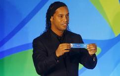 Ronaldinho durante sorteio de grupos do futebol na Rio 2016.    14/04/2016      REUTERS/Ricardo Moraes