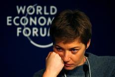 Шеф-редактор холдинга РБК Елизавета Осетинская на форуме в Давосе, 22 января 2016 года. (REUTERS/Ruben Sprich)