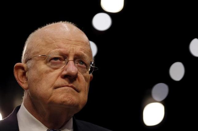 Director of National Intelligence (DNI) James Clapper testifies before a Senate Intelligence Committee hearing on ''Worldwide threats to America and our allies'' in Capitol Hill, Washington February 9, 2016. REUTERS/Carlos Barria