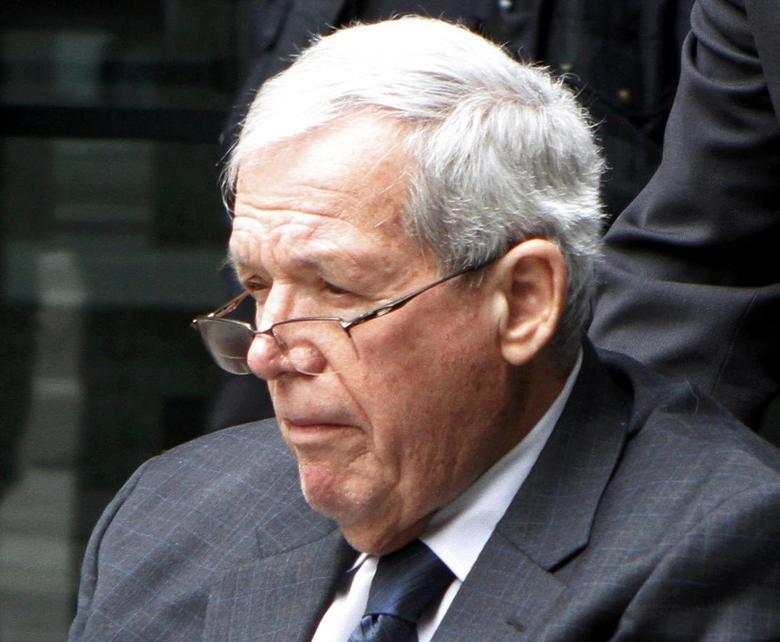 Ex-House Speaker Hastert gets 15 months, admits sex...