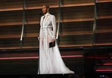 Beyonce presents the Best Record of the Year award during the 58th Grammy Awards in Los Angeles, California February 15, 2016.  REUTERS/Mario Anzuoni