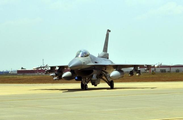 A U.S. Air Force F-16 Fighting Falcon from Aviano Air Base, Italy, is seen at Incirlik Air Base, Turkey, after being deployed, in this U.S. Air Force handout picture taken August 9, 2015.  REUTERS/U.S. Air Force/Senior Airman Michael Battles/Handout