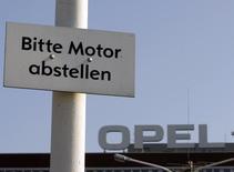 Le ministère allemand des Transports a convoqué le constructeur automobile Opel devant une commission d'enquête la semaine prochaine pour des soupçons de manipulation des émissions polluantes. Photo d'archives/REUTERS/Ina Fassbender