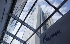 Вид на штаб-квартиру Газпрома в Москве 29 июня 2012 года. Газпром не планирует использовать газ независимых российских производителей для заполнения экспортного трубопровода в Китай - Сила Сибири, сказал в четверг зампредправления газовой монополии Виталий Маркелов. REUTERS/Maxim Shemetov