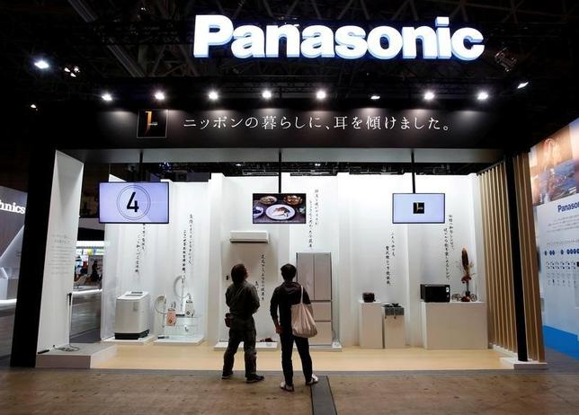 Visitors look at Panasonic Corp's luxury brand home appliances called J concept at CEATEC (Combined Exhibition of Advanced Technologies) JAPAN 2015 in Makuhari, Japan, October 6, 2015. REUTERS/Yuya Shino/File Photo