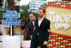 Actors Ryan Gosling and Russell Crowe (L) arrive at the UK Premiere of Nice Guys at a cinema in central London, Britain, May 19, 2016. REUTES/Peter Nicholls     TPX IMAGES OF THE DAY